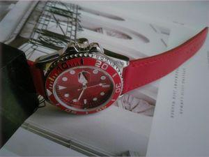 Nuevo diseñador simple para mujer Reloj para hombres Top Mejor moda casual Reloj de deportes de cuarzo militar de cuero rojo Reloj Relogio Masculino