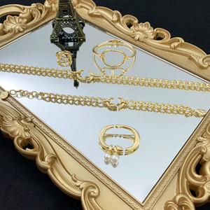 Lüks Tasarımcı Takı Kolye Bilezik Broş 18 K Altın Suit