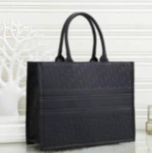 Totines de alta calidad Mujeres bolsos de bolsos diseñador Lady All Style Bolsas de hombro de gran capacidad de moda Moda Bolso de compras clásico 2020