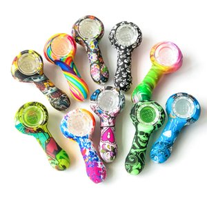 Mini Silicone Hand Pipe Length 3.0 inches Silicone Smoking Water Pipe With Glass Bowl Rainbow Skull Pipes