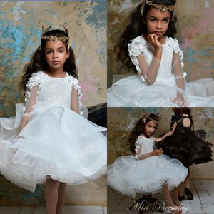 Sequined Flower Girl Dresses Jewel Neck Long Sleeve 3D Floral Appliques Tulle Girls Pageant Dresses Knee Length Girls Party Gowns