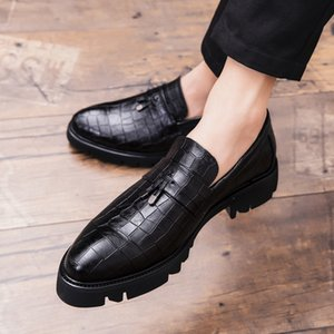 Leather Men Shoes outdoor Fashion high Quality Men Flats Male Casual Shoes summer breathable slip on Classic Sneakers shoes L5