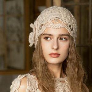 Женщины Best Hat Bonnets Этнические стиль ручной работы вязаные шерстяные шапки леди осенью и зимняя ретро элегантный цветок теплые колпачки