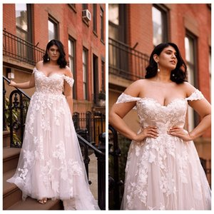 Charming Off-shoulder Lace Wedding Dress with Lace-up Back A-line Sweep Train Country Bridal Gown Robe de Mariage