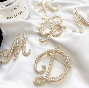 2021 Nouveau produit Vente chaude Perle French Perle Broche Personnalité Anti-reflets Grand Pin Collier Bijoux Femme Atmosphère sauvage Accessoires