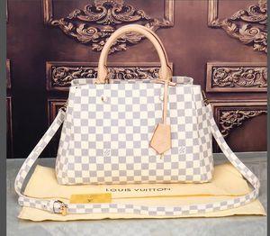 Top quality Genuine leather Shoulder handbag Messenger bags CrossBody bag women wallet fashion lady purse mens backpack Tote 082