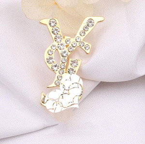 Hot sale autumn and winter new letter brooch fashion diamond brooch rhinestone jewelry unisex free shipping