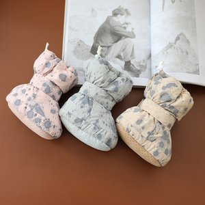 Baby winter Daily shoes Children cotton Boots boys and girls shoes thickened Plush warm newborn soft soled high top shoes