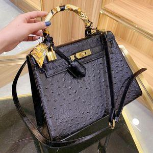 Mulheres Handbag de couro genuíno Bolsa Bolsa de Ombro Moda Plain Calf avestruz Couro Pele Key Lock Ferrolho Obra frete grátis Saco de mão