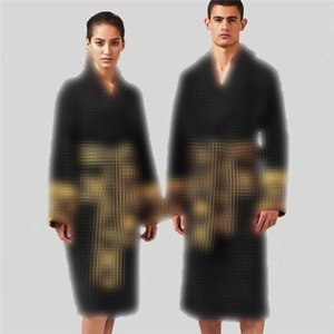 Classic Jacquard Designer Albornoz Baroco Night Robe Hombres Mujeres Robe Pareja Inicio Use Marca Ropa de dormir Unisex Túnica cálida