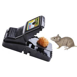 Al por mayor reutilizable captura de ratas ratones ratones trampas negro mousetrap cebo a presión resorte roedor catcher plagable controlable mousetrap DH1117 T03
