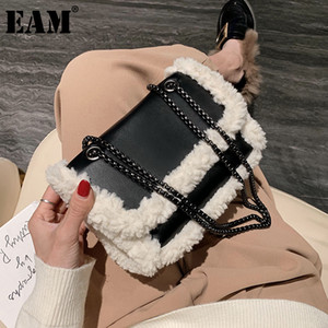 [EAM] Shoulder Bags for Women 2021 Winter Totes Soft Plush Faux Fur Handbags and Purses Lady Casual High Capacity Hand Bag 8A369 Q1215
