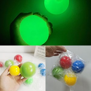 Globos noctilucos Bolas antiestrés Tiran en el techo de descompresión Squash Sticky Ball Ball J7TQ