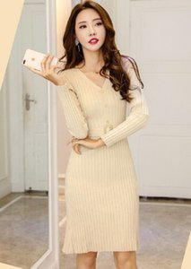 The new Autumn Winter 2020 Korean version slimming and slimming medium and long V-neck sweater knit dresses with bottom
