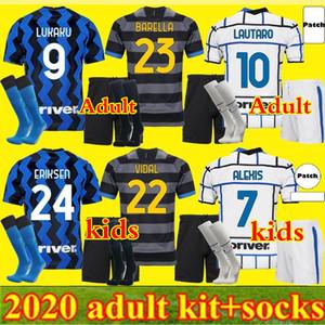 Hommes Kit Kit Kit Barella Soccer Jersey Lukaku Vidal Lautaro Eriksen Alexis 20 21 de Vrij Chemise de football 2020 2021 Uniformes Hakimi