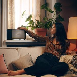 Marshall Stanmore Wi-Fi Alvoice - Stanmore II Stanmore Speaker Black، يمكنك التحكم في الموسيقى دون أي جهد
