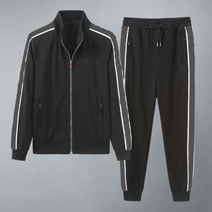 2020 Nuovo Designer Mens Tracksuits Estate T-Shirt Pant Sportswear Fashion Sets Manica corta in esecuzione da jogging di alta qualità Plus Size HH3 W25
