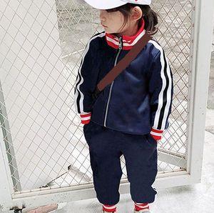 Bambini Moda Tracksuits Vendita calda Lettera stampata stampata Giacche + Pantaloni Due pezzi Set Ragazzi Ragazze Casual Sport Style Abbigliamento Abbigliamento Abbigliamento Bambino Vestiti