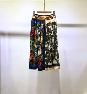 Milan Designer Mujeres Faldas Fashion Hermosa letra Impresión Pleats Faldas Mujeres 2021 Faldas de verano de primavera 1214-26