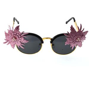 2020 Brand Design Women Baroque Cat Eye Flowers Black Sunglasses Luxury Women Casual Sun Glasses Beach Designer Sunglasses Gift
