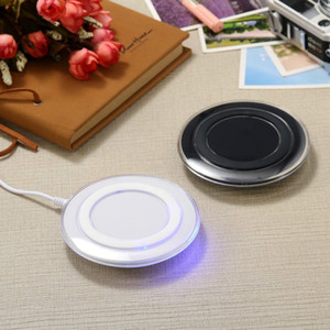 Hot New Products And Best Cheap Qi Standard Mobile Charger Portable Wireless Charger Pad Wireless Fast Charger Earbuds Charging Case Station