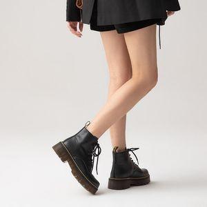 Odinokov 2020 Winter Boots New Boots Femenino Botas cortas Botas de moda británica Insulte de la moda transpirable para mujer