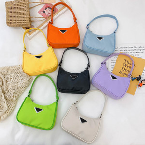 2021 Designer de moda sugerço colorido menina crianças cute letra casual acessórios mensageiro bag kids handbags presentes
