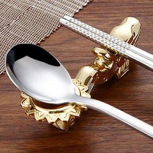 Aleación Dragón Forma Palillos Titular Sliver Gold Rest Stand Craft Chopsticks Rack Marco Mesa Decoración Cocina Herramientas Sea Envío CCE4226