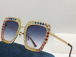 0115 Nuevas gafas de sol de moda especial con protección UV para mujeres Marco de metal cuadrado vintage con diamantes de calidad superior popular vienen con caso