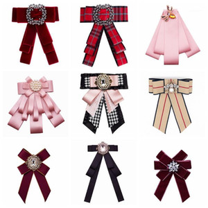 Free Fan Cravat Bowtie Ribbon Bow Broches Pour Homme Neck Ties Brooches Pins Fashion Retro Collar Pins Corsage For Women Badge1