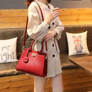 Fashion Designer Women Tote Handbag Purses High Quality Flap Lady Shoulder Bags Plain Crossbody Women Bag Ins Hot Selling Bag