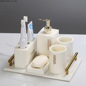 Accessorio per il bagno Set Avorio Dentifricio Dentifricio Dispenser Lozione Bottiglia Sapone Spazzolino da denti Portainfuro Resina Vassoio di stoccaggio Nordic Bagno Decorazione Accesso