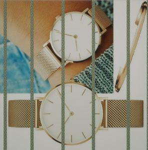 Wholesale Reloj de lujo de mujeres de alta calidad Slim Iced Out Strap Designer relojes Cuarzo Movimiento Amantes Reloj de pulsera Reloj