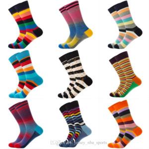 21 2019 MENS Fashion Casual Chaussettes 10 Styles Chaussettes Happy Chaussette Stripède Stickers Respirant Crew Socks Coton Femmes Sports Mid Sound Bas M879F