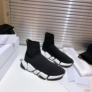 2021 Nouveaux designers Chaussures 2.0 Top Chaussettes pour hommes Chaussures Femmes Sneakers Triple Black Runner Baskets Confortable Chaussures Casual Casual Taille 35-45