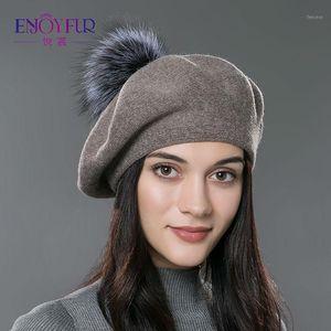 Berretti godono delle donne di pelliccia Berret Hat Cappello lavorato a maglia Natural Raccoon Pompom Pompon Solid Colors 2021 Top Quality Cap1