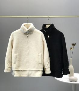 2020 Kadın Ceketler Sıcak Klasik Sokak Ceket Rüzgar Geçirmez Kamuflaj Tamamen Yeni Işık Degrade Kumaş Kuzu Saç Geri Harfler Kış Kürk Ceketler
