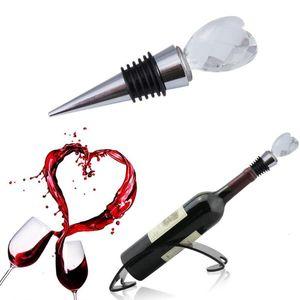 Red Heart Shaped Chrome Elegant Trendy Crystal Wine Bottle Stopper Novel Twist Wedding Favors Romantic Gifts