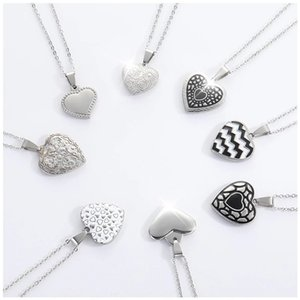 Stainless Steel Heart Charm Pendant Necklaces Jewelry Classic Carved Love Heart Choker Necklace Romantic Wedding Jewelry Kpop