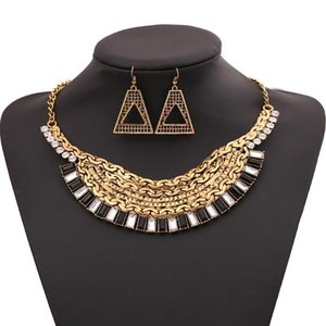 LZHLQ Vintage Geometric Hollow Metal Necklace Fashion Women Crystal Necklaces Maxi Brand Sweater Chains Jewelry Accessories