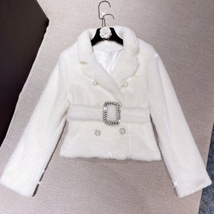 DEAT 2020 Winter New Arrivals Turn Down Collar Faux Fur Double Breasted Buttons White Jacket With Diamonds Belt Women Coat ML264 Z1211