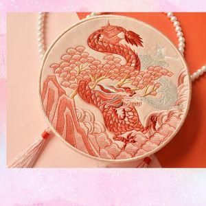Angelatracy Hanfu cinese tigre drago ricamo Tassel coniglio delle pecore del cavallo del serpente del mouse mucca scimmia del maiale spalla circolari Borse Q1116