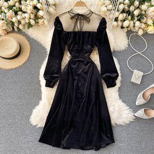 Lady Retro Velvet A-line Dress Women Autumn and Winter New Fashion Mesh Splicing Long Sleeve Slim Black Vestidos P956