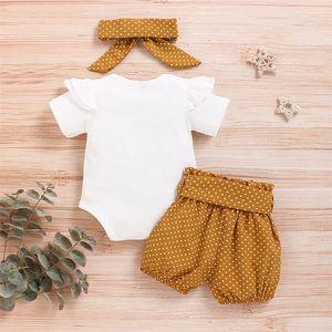 Khaki 반바지 여름 세트 Bodysuit + 바지 + 머리띠 유아 의류 신생아 9-12months D30 Y200803에 대 한 아기 소녀 의류 양복
