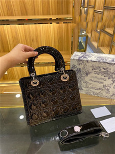 Princess Lady Women Fashion Vintage Clutch Hands Bolsos extraíbles Patente de banda ancha Patente Cuero de Cuero Diamond Clutch Designer de lujo Bolsas