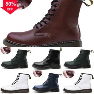 Femmes Designer BootClassic Boot Cuir authentique Corse Doc Doc antidérapant Chaussures d'hiver Star Designer Dr Trail Fashion Womenstyle Combat L