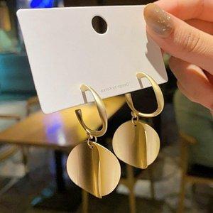 Brincos Rodada Exagerada Moda Moda Temperamento Sênior All-Match Feminino Design Sense Namoro Casamento Presente Acessórios