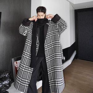 Schwarze weiße Hahnentritt-lose Winter-Trench-Mäntel für Herren mit dem Taillengießkleid Stil Vintage lange Jacken Dessing-Müslatten