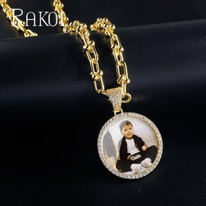 Rakol Round Circle Photo Medallions Collar Colgante con cadena de metal Color de oro Color Cubic Zircon Hombre Hip Hop Joyería