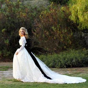 Plus Size Long Sleeve Wedding Dresses White And Black Crew Vestido De Novia Sheer Neck Chaple Train Applique Lace Spring Bridal Gowns